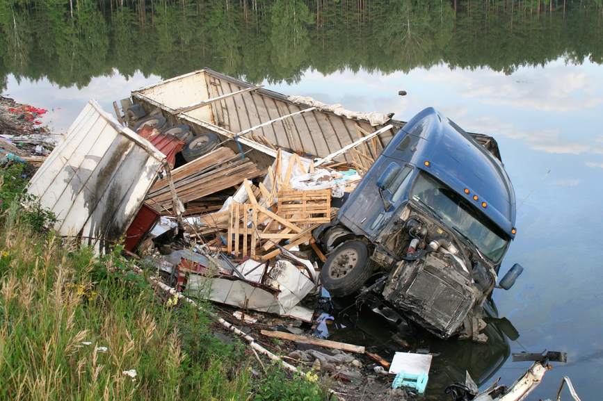 7 Harmful Myths about Truck Accidents Debunked